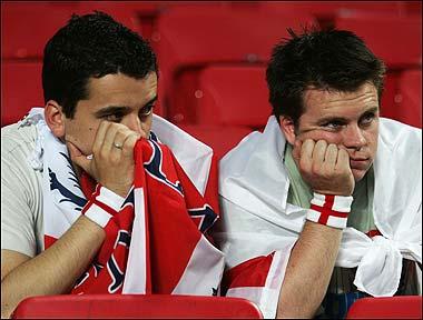 english-fans-at-england-algeria-game