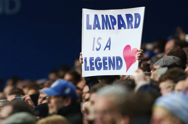 A Chelsea fan holds up a sign in support of Frank Lampard-1517881
